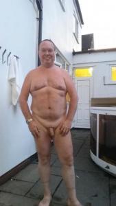 Single male nudist